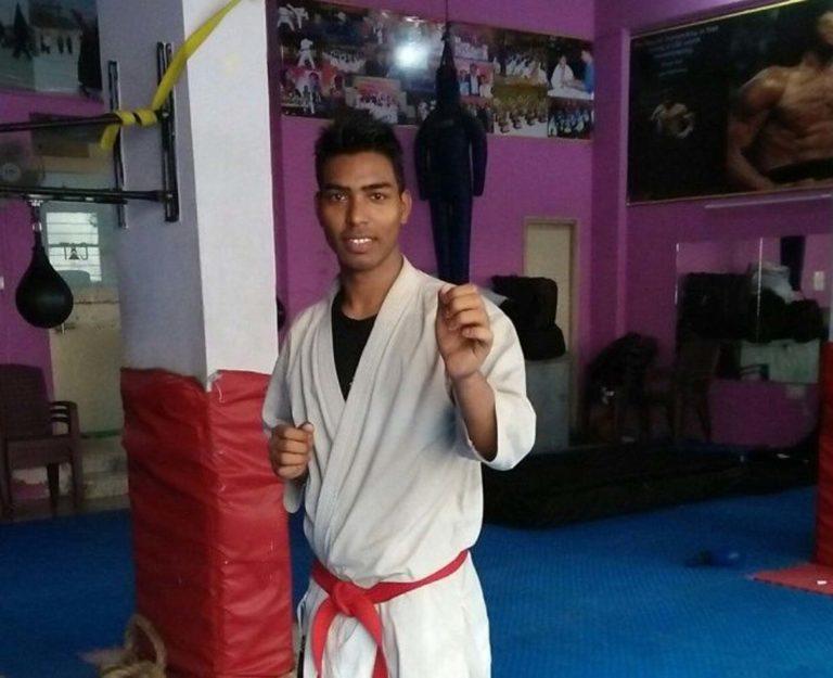 मिलिए भारत के 'कराटे किड' ज़ाबिर अंसारी से जिसने हर मुश्किलों को पार कर अंतर्राष्ट्रीय प्रतियोगिताओं में भारत के लिए मेडल्स जीते।
