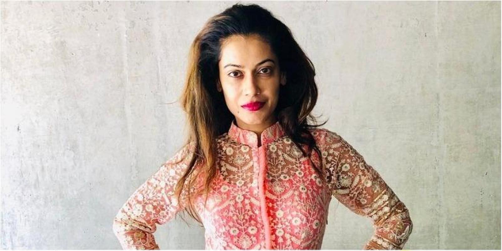 बॉलीवुड अभिनेत्री पायल रोहतगी कथित रूप से राजस्थान पुलिस द्वारा गिरफ्तार।