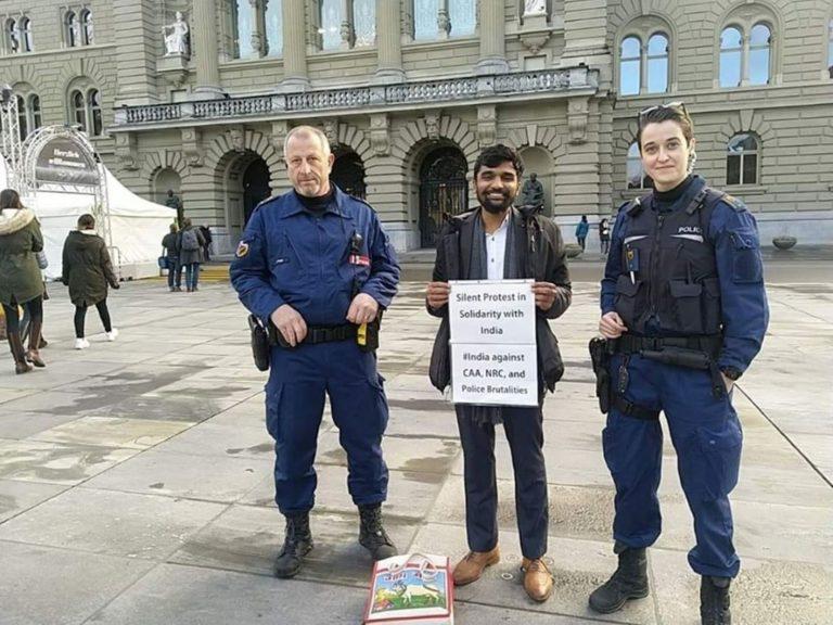 स्विट्ज़रलैंड में CAA-NRC के खिलाफ एक भारतीय स्टूडेंट का अनोखा विरोध प्रदर्शन।