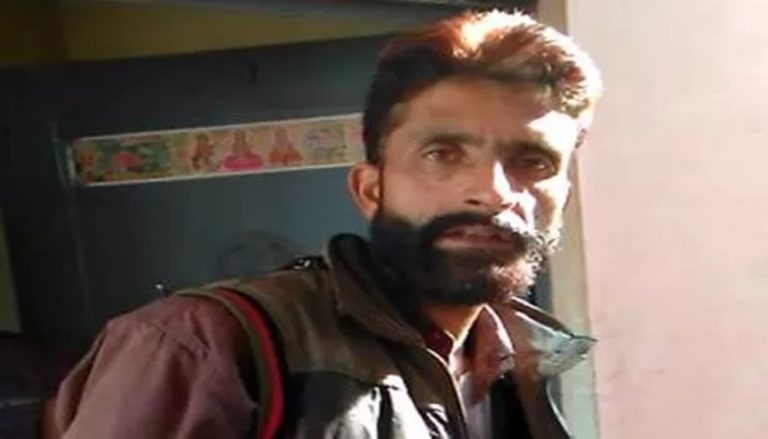 हरियाणा पुलिस द्वारा कश्मीरी ट्रक ड्राइवर को पाकिस्तानी और आतंकी बताकर मारपीट, ASI गिरफ्तार, 4 पुलिसकर्मी सस्पेंड।